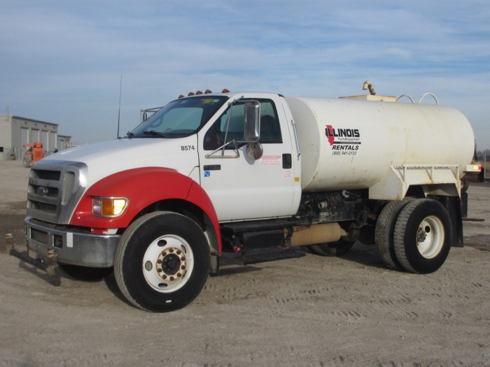 2004 Ford f750 water truck