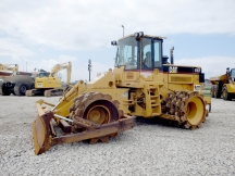 2004 Cat 815F Padfoot Roller