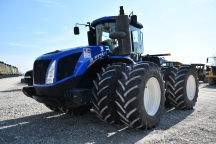 2015 New Holland T9.530 4WD Scraper